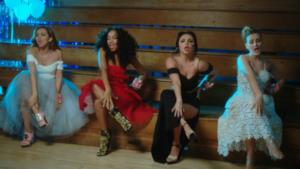 Le Little Mix nel video di Love Me Like You