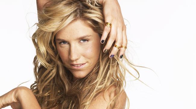 Kesha resta in rehab