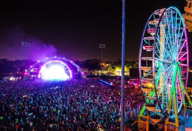 Ruota Panoramica e palco dell'EDC di Orlando