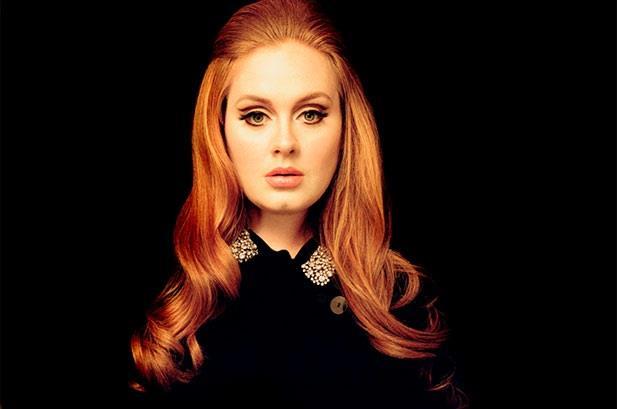 Adele con i capelli lunghi