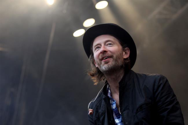 Thom Yorke dei Radiohead con cappello e barba