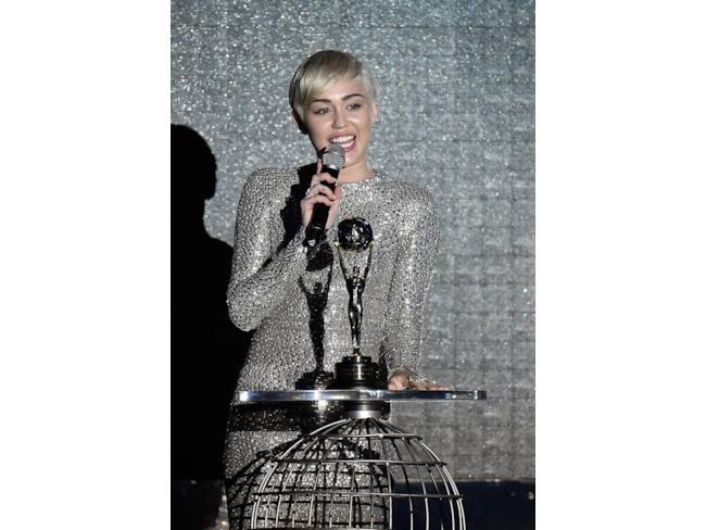 Miley Cyrus ritira un premio