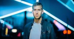 Dopo un 2014 fantastico, il DJ Calvin Harris è pronto a ripartire con un nuovo tour mondiale