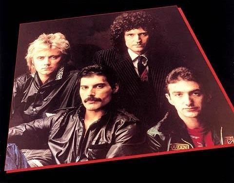 Queen: copertina Greatest Hits del 1981