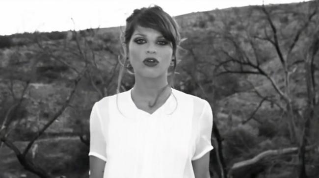 Alessandra Amoroso in bianco e nero