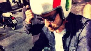 Cesare Cremonini con il casco