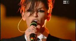 Sanremo 2011, eliminate Anna Tatangelo e Anna Oxa