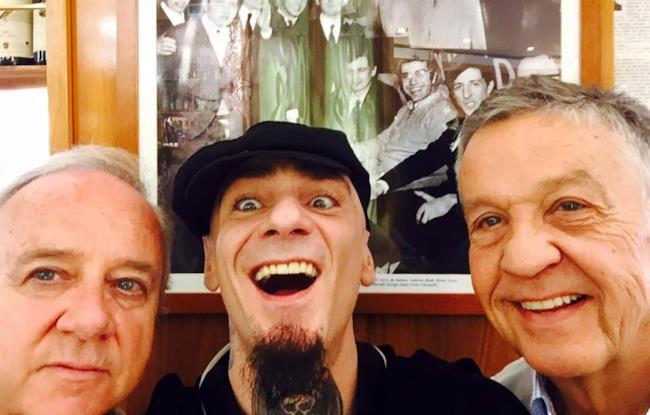 J-Ax con Cochi e Renato a Sorci Verdi