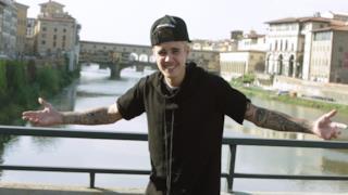 Justin Bieber a Firenze davanti a Ponte Vecchio