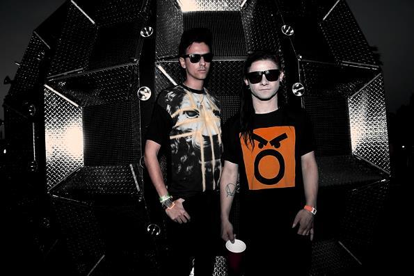 Skrillex e Boys Noize sono pronti a ridare vita al loro progetto Dog Blood con l'arrivo del 2015