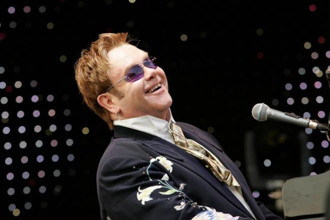 Elton John in concerto.