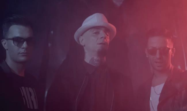 I Two Fingerz e J-Ax nel video ufficiale di uomo nero