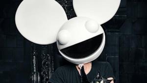 Deadmau5 con la sua tipica maschera