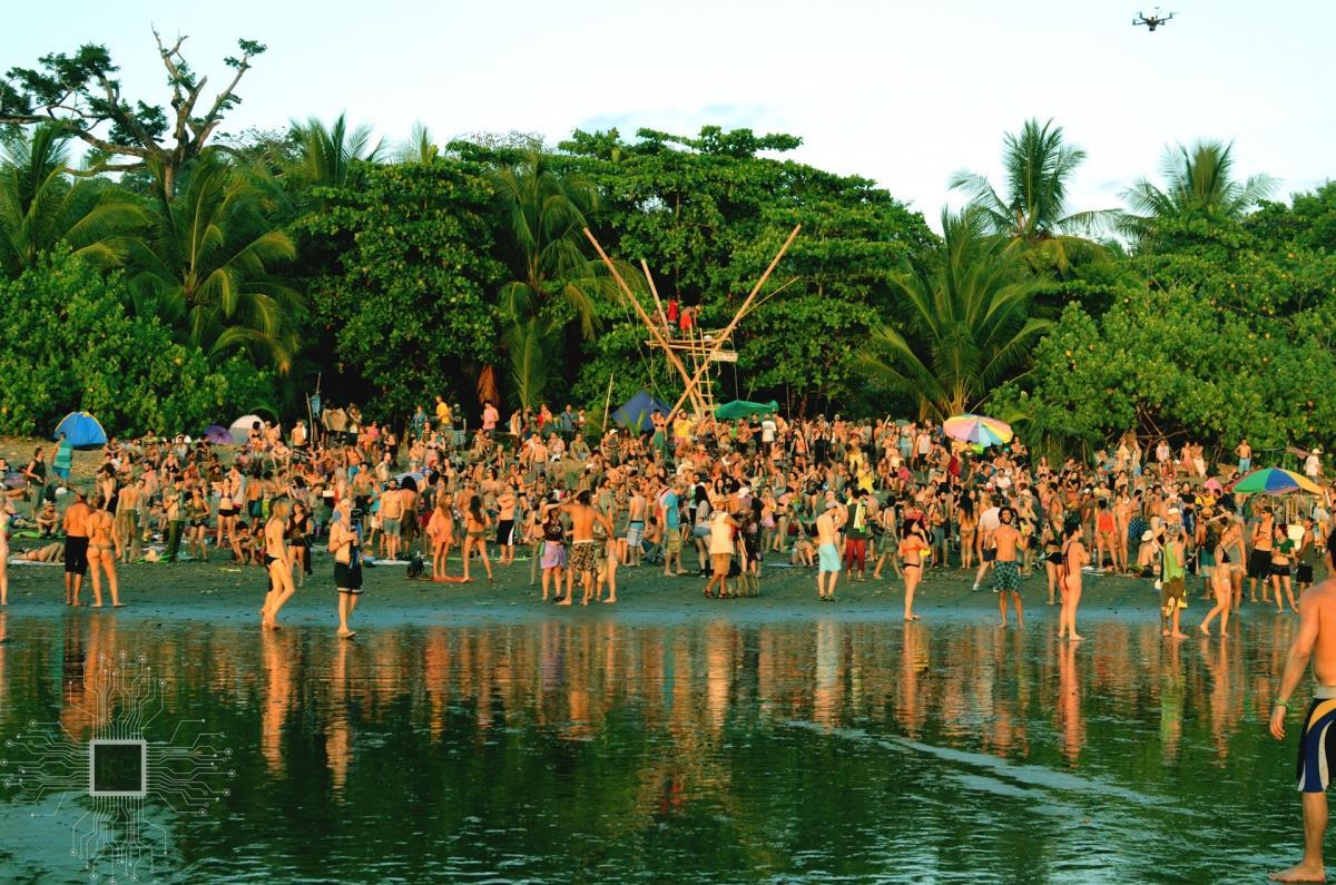 Envision Festival in spiaggia