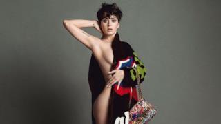 Katy Perry nuda per la nuova pubblicità Moschino