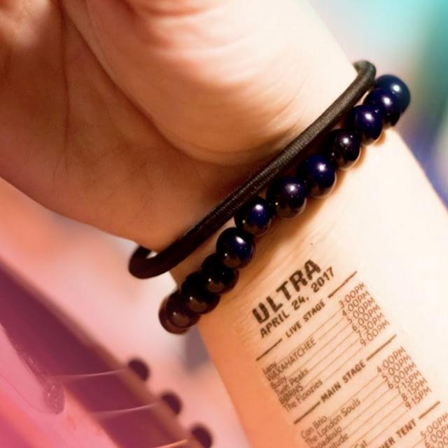 Un esempio di line up tatuata con Gigtat
