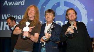Gli Iron Maiden alla premiazione