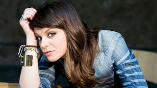 Alessandra Amoroso confessa che prima di Amici voleva farsi suora