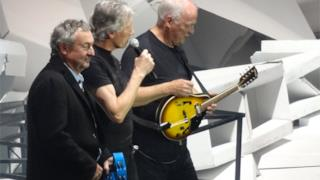 I Pink Floyd si riuniscono al concerto londinese di Roger Waters