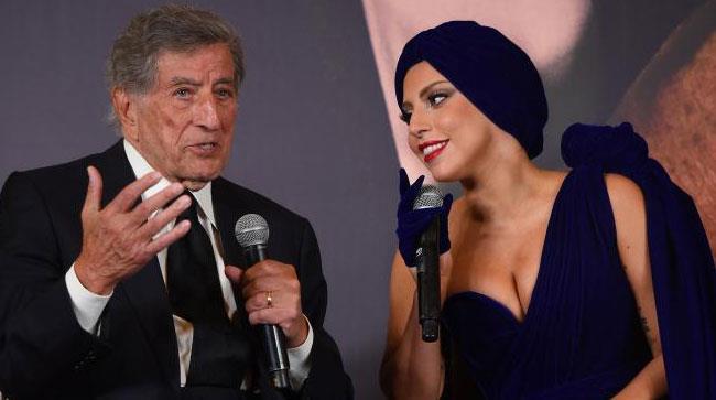 Tony Bennett e Lady Gaga durante la conferenza stampa di Bruxelles