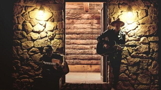 La copertina di Home to Mama di Justin Bieber e Cody Simpson