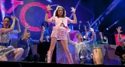 Un'immagine dallo show dal vivo del Violetta Live 2015