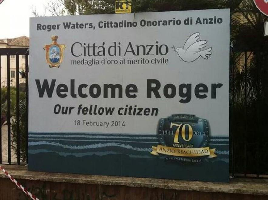 Targa dedicata al padre di Roger Waters ad Anzio