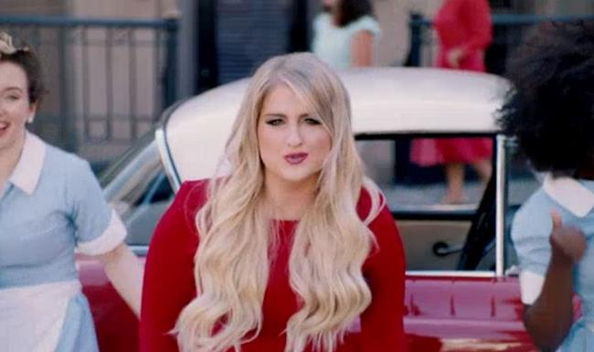 Meghan Trainor nel video di Better When I'm Dancin'