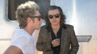 Harry Styles e Niall Horan nel video ufficiale di Steal My Girl