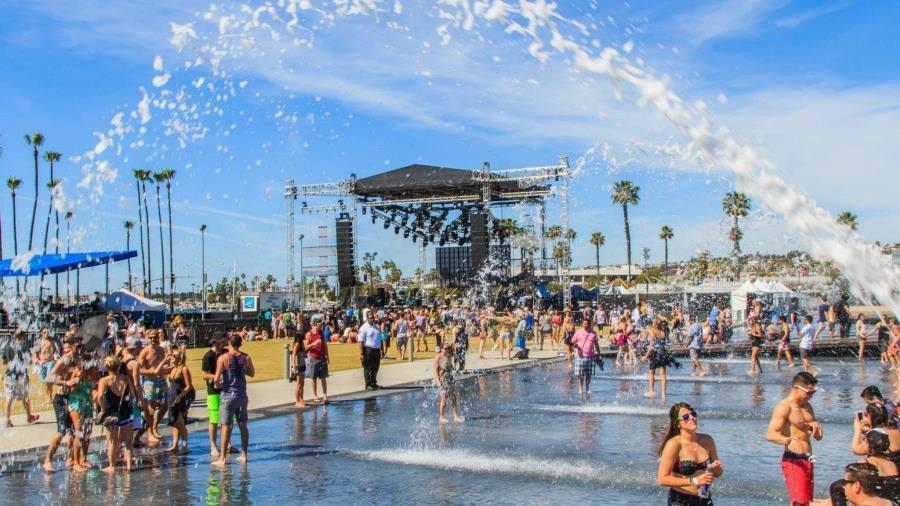 La prima edizione del CRSSD Festival ha visto esibirsi sul palco Pete Tong e Empire of The Sun