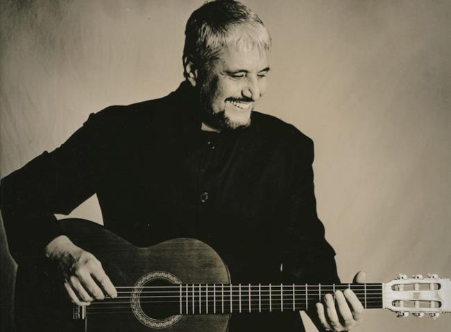 Pino Daniele foto con chitarra