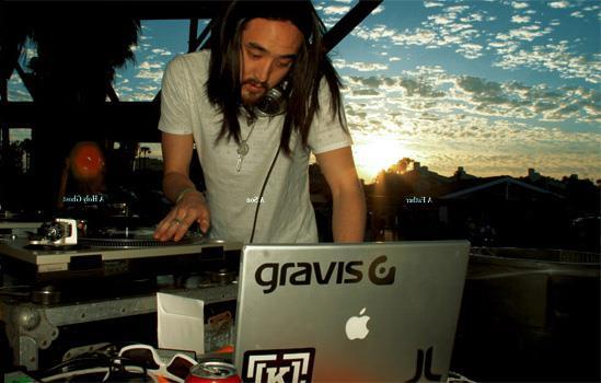 Il DJ Steve Aoki era stato al centro di una polemica per aver scaricato illegalmente Sylenth1