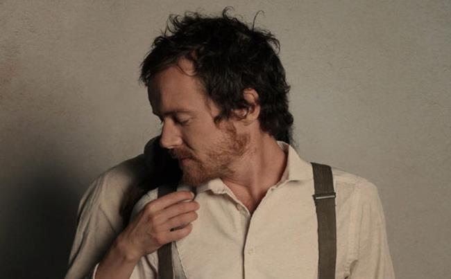 Il cantautore irlandese Damien Rice