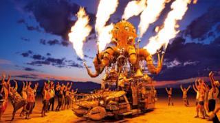 Una passata edizione del Burning Man nel deserto del Nevada