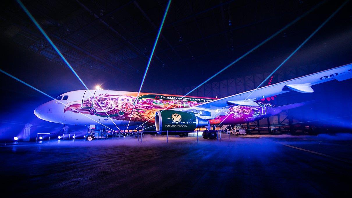 Esterno dell'aereo del Tomorrowland.