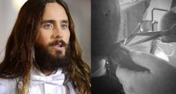 Jared Leto con barba e capelli lunghi