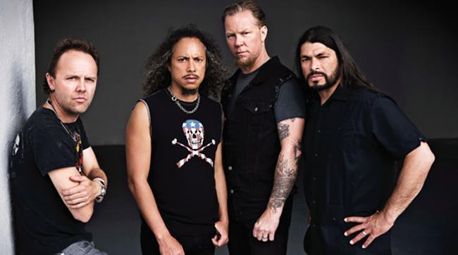 Metallica in formazione fanno smorfie