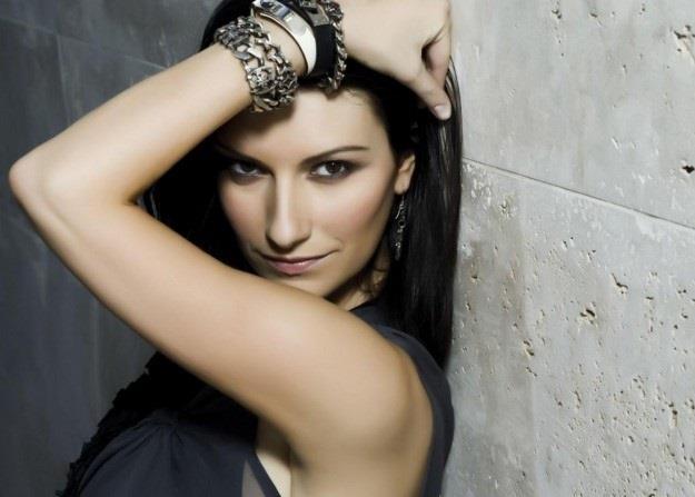 Laura Pausini vestita sexy