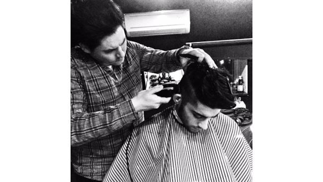 Zayn Malik si fa tagliare i capelli