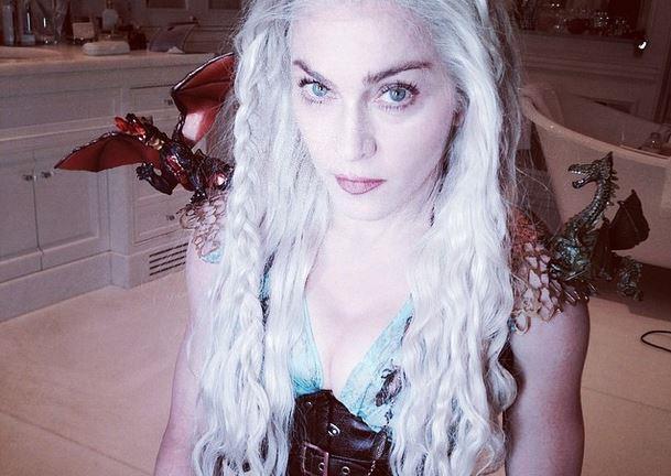 Madonna vestita come Daenerys Targaryen