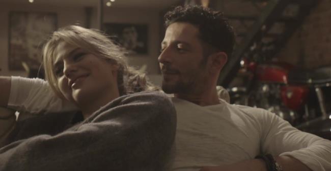 Nesli con l'attrice Cristina Marino
