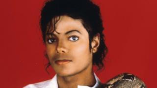 Michael Jackson con serpente sulla spalla