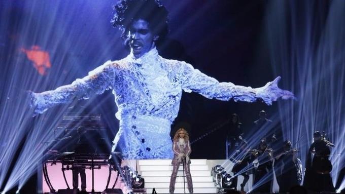 Tributo speciale a Prince da parte di Madonna
