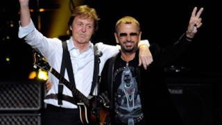 Paul McCartney e Ringo Starr insieme sul palco