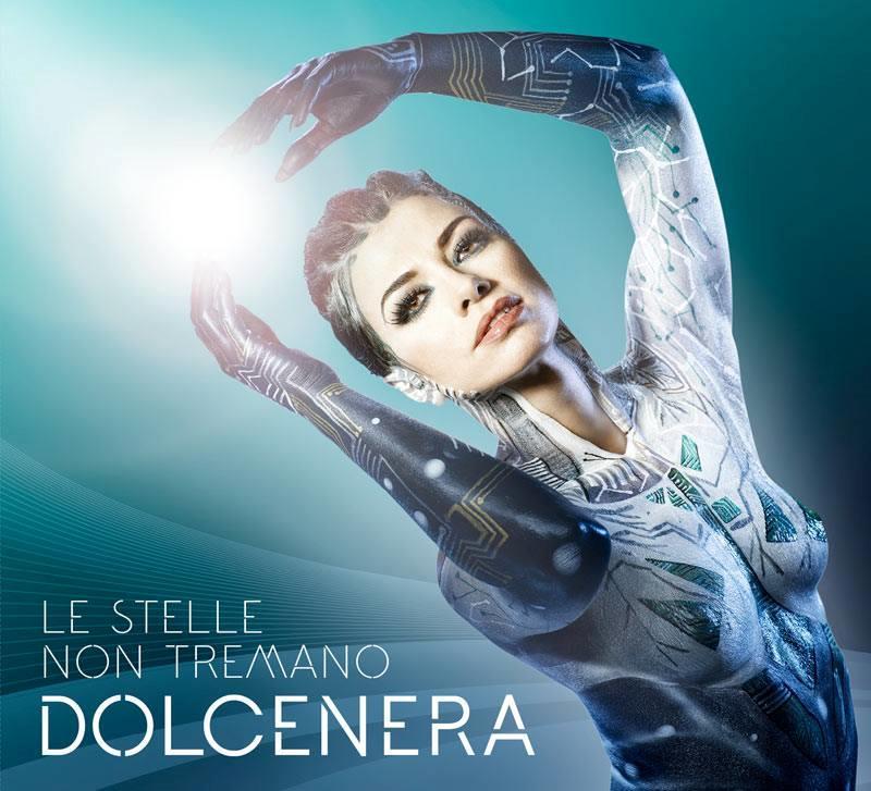 Dolcenera nuda sulla copertina del nuovo album Le stelle non tremano