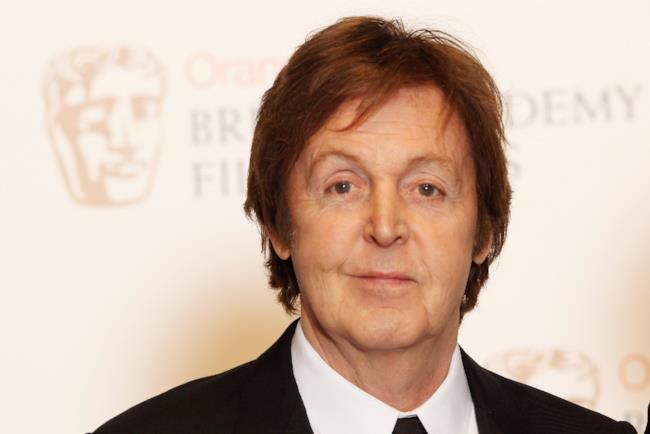 Paul McCartney a mezzo busto