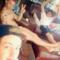 solo a me sembra che Harry sia nudo?