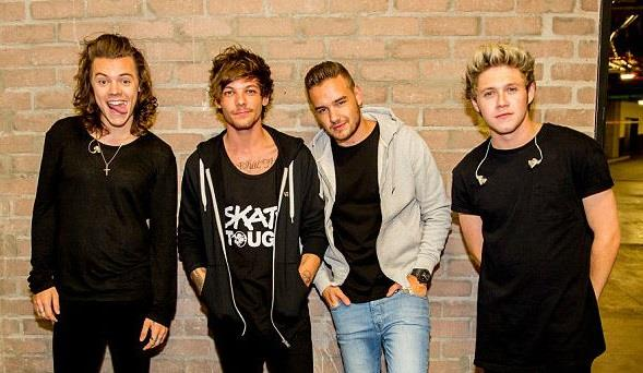 I 4 membri degli One Direction insieme in posa