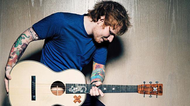 Ed Sheeran con la chitarra