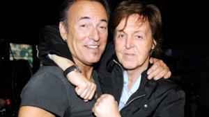 Springsteen e McCartney: Londra stacca la corrente durante un duetto storico [VIDEO]